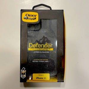 OtterBox Defender Series iPhone 11 - Black
